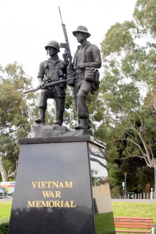 Australian and South Vietnamese Infantry Statues atop Vietnam Memorial