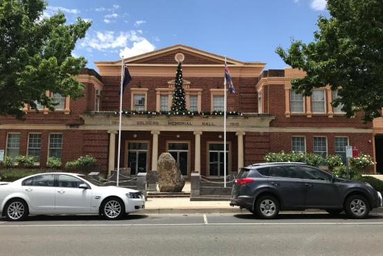 Yass Soldiers Memorial Hall with Christmas decorations