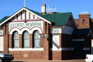 Wyalong Soldiers Memorial Hall